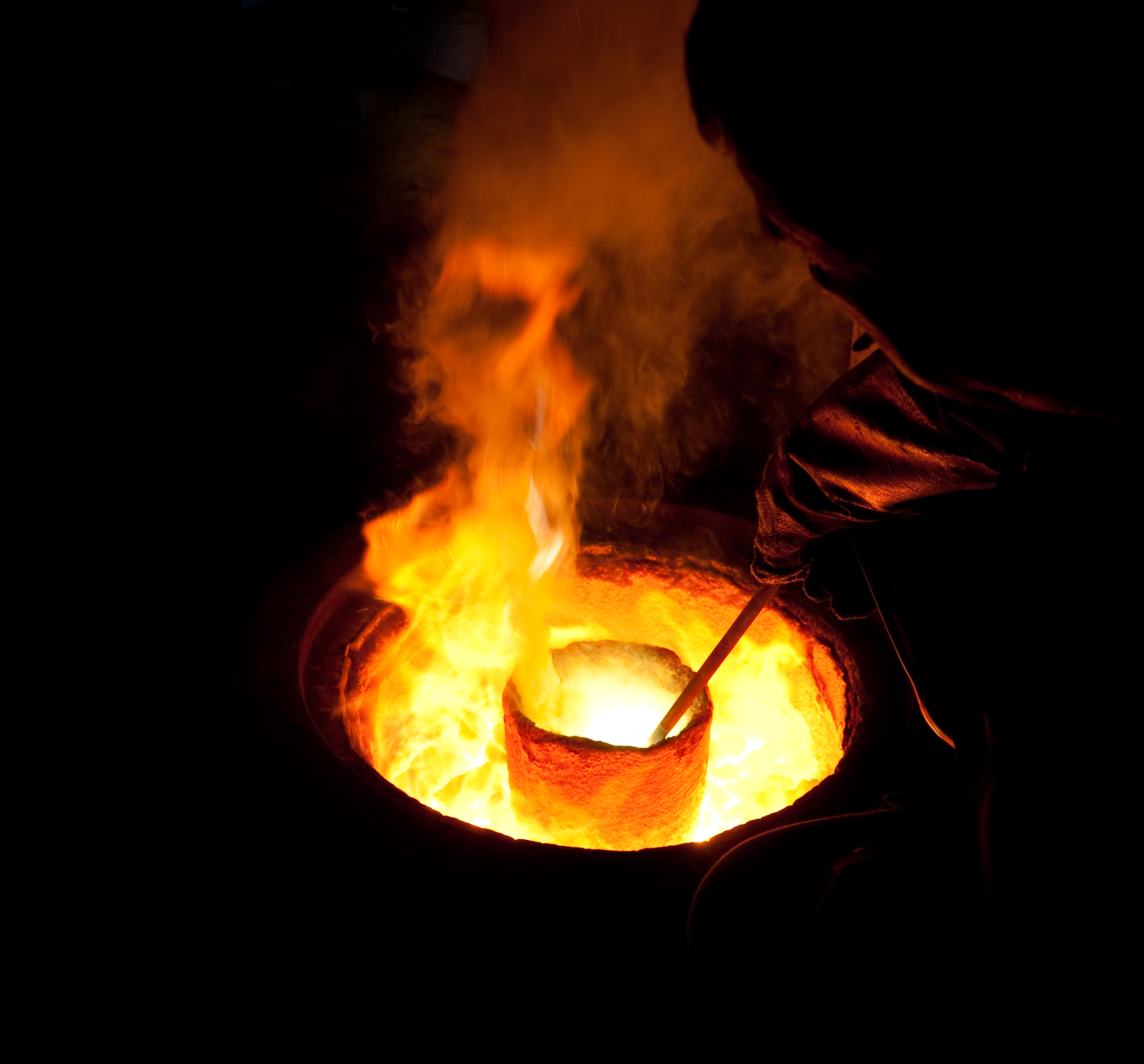 how to make a alloy smelter