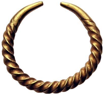 Gold ring money ca. 1000 BC. Ring in torques form. The body is twisted as decoration and ends in plain pointed terminals. 4,39 g. van Arsdell p. 61, 1. Cf. UBS Auction 59, Basel, 29 January 2004, lot 4006. Extremely fine.