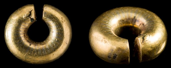 Gold Ring Money - Small penannular ring consisting of gold foil, inlaid with electrum, wrapped around a copper alloy core